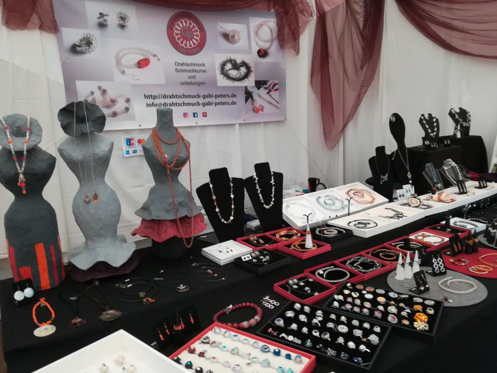 Auf dem Kunsthandwerkermarkt