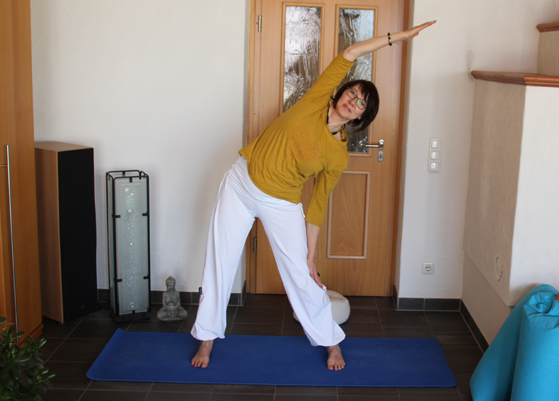 Online Yoga Stunde mit Gabi
